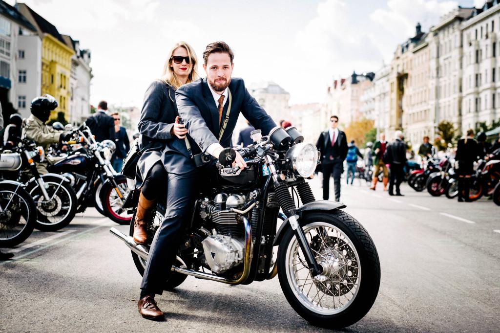 motographer blond girl motorrad blondine thruxton classic bike triumph fotograf